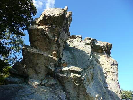 大津の岩場、千石岩で玉砕…