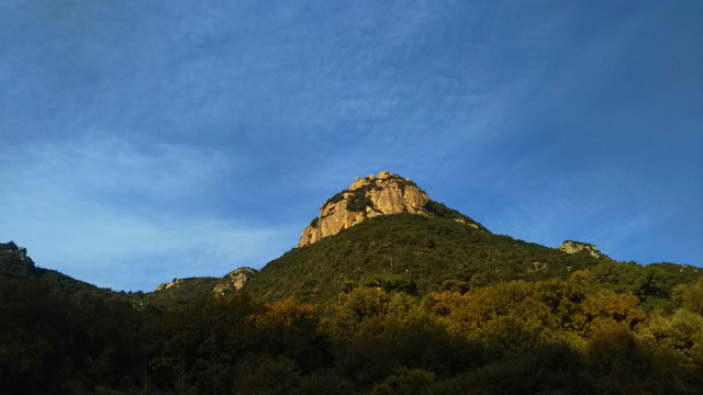 小豆島の岩場へ